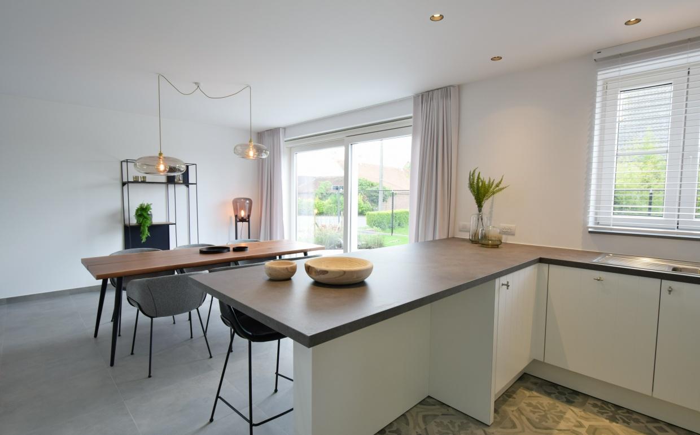 nieuwbouw hyboma ardooie, casa nova styling, zuiver, festonstoelen, designkeuken, nieuwbouwprojecten ardooie