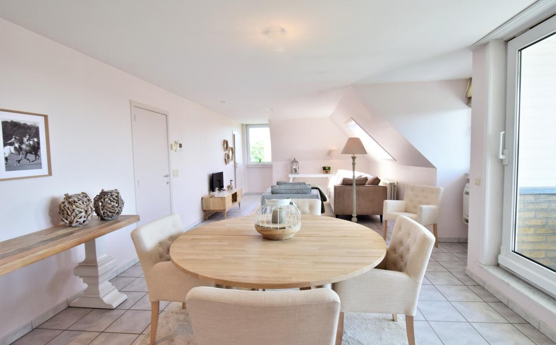 appartement assebroek, llvastgoed, loontjens en lagast, immo, brugge, casanova vastgoedstyling, styling van living, gezellig interieur, cottage style, easysofa, dune zetel,