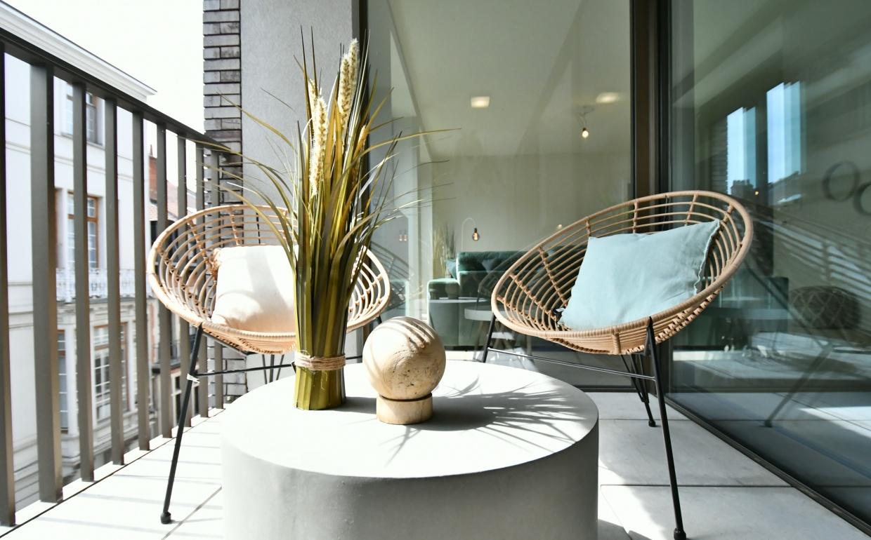 terras in het stad, loungefauteuil, terrasdesign, gezellig terras, buiten leven, casa nova , cores