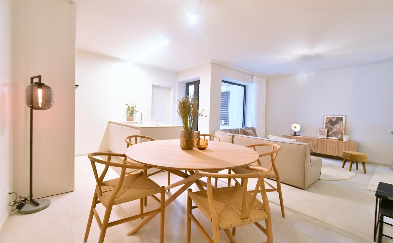 casa Nova vastgoedstyling, ethnicraft, mikado dining table, wishbone chairs