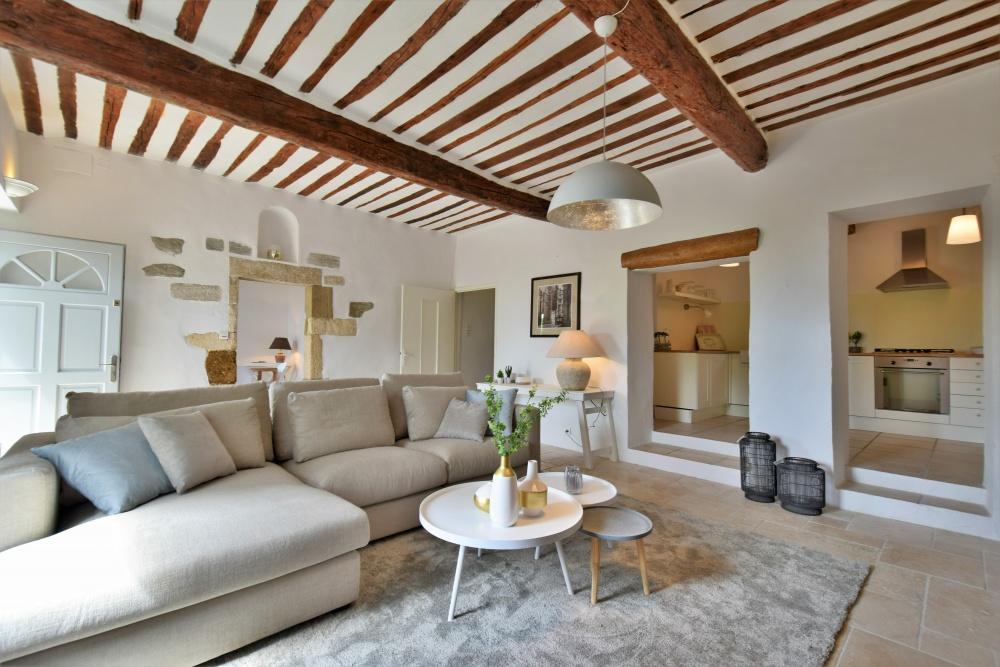 styling in Frankrijk, styling van vakantievastgoed, mas, loriol, intermat, vakantiehuis in frankrijk, homestaging, furniture rental