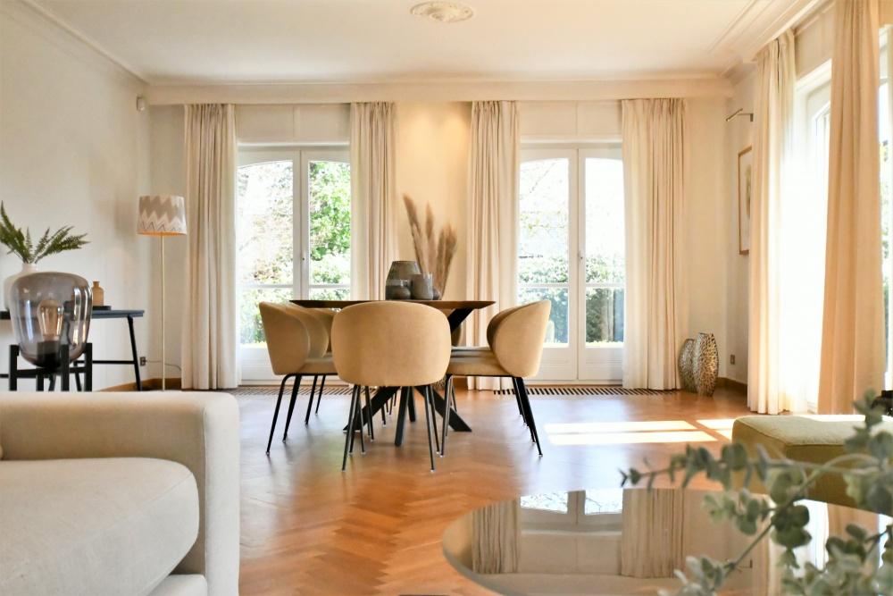 vastgoedstyling, Found and Baker, villa roeselare, kaasterstraat, mouriau notaris, styling van living, pampasgrassen in interieur